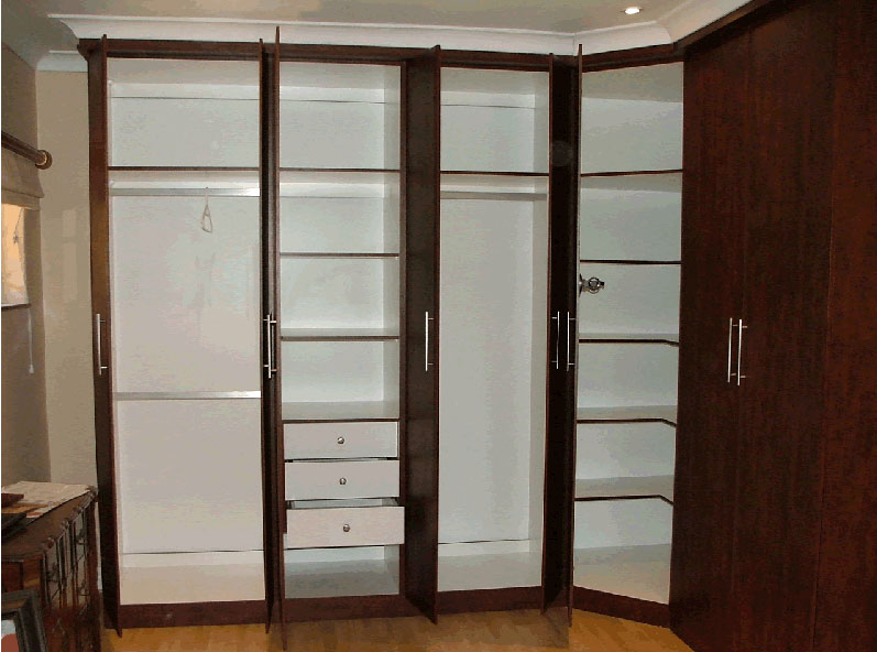 Built in cupboards johannesburg bedroom cupboards for Kitchen cupboards south africa